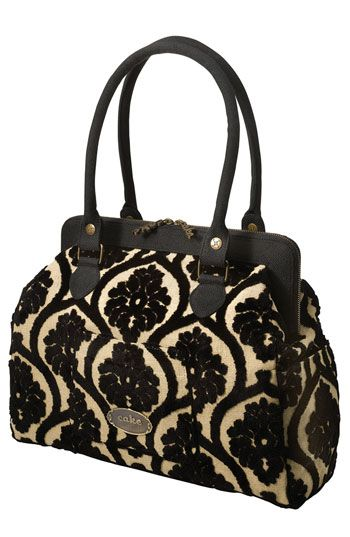 How chic is this vintage-inspired diaper bag! Beautiful & Functional, yes please!