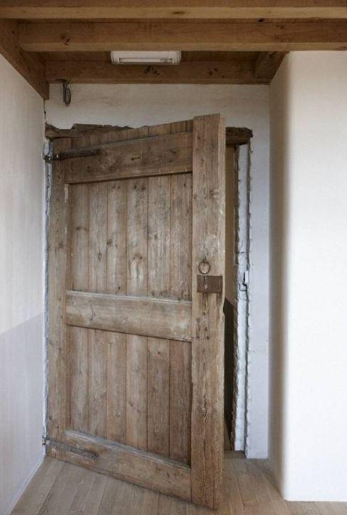 Les 25 meilleures id es de la cat gorie porte bois sur pinterest mobilier d - Vieille porte de ferme ...