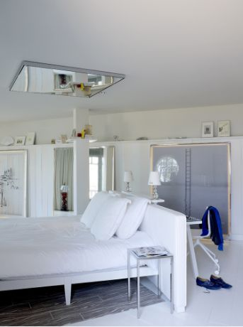 Une Chambre De Luxe D Or E Par Philippe Starck Id Es D Co Mobilier Design Luxe Meuble De