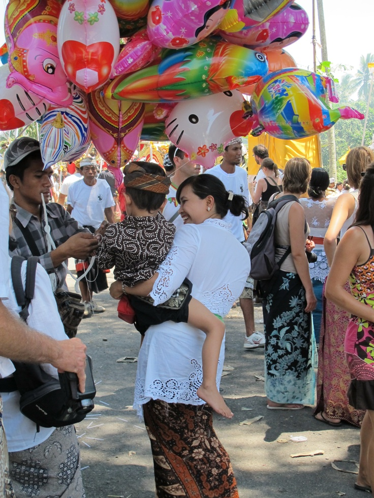 Go to local festivals and events to really experience and learn about local culture - #Ubud, #Bali #responsibletourism