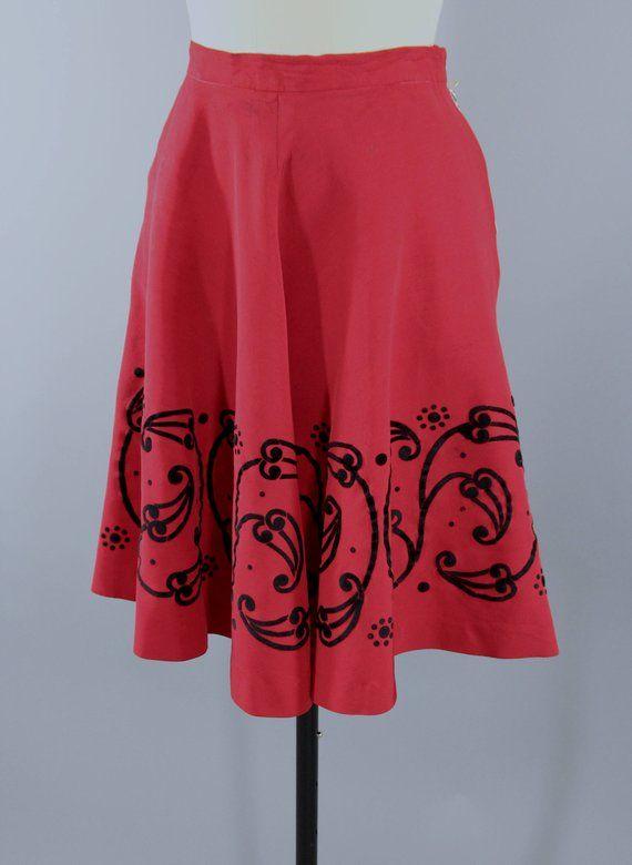 dd8cb248eb Vintage 1950s Skirt / 50s Full Skirt / New Look Circle Skirt / Holiday  Party Skirt / Red Faille & Black Velvet Appliqué #1950sSkirt #CircleSkirt  #50sSkirt ...