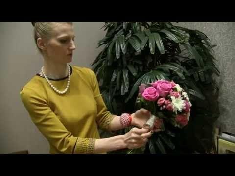 Мастер-класс по созданию букета невесты - YouTube   Оч. професс.+ обработка ножек проволокой с ватой и тейп лентой.
