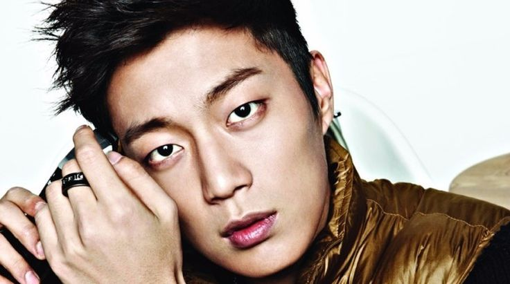 "BEAST's Yoon Doo Joon might be making his drama comeback via SBS' upcoming adaptation of the Japanese drama ""Second to Last Love."" According to Yoon Doo Joon's agency Cube Entertainment, the idol has received an offer to star in the new weekend drama. He is in talks for..."