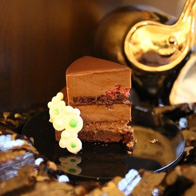 210 отметок «Нравится», 14 комментариев — ⠀⠀⠀⠀⠀⠀⠀⠀⠀⠀⠀⠀⠀⠀⠀Daria K (@dariachocolate) в Instagram: «Мой торт в стиле Арт Деко для первого тура #chefs_battle_time_to_cook от Любы @mosluv в категории…»