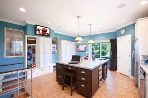 family workspace: Idea, Cabinets Colors, Modern Laundry Rooms, Home Crafts, Open Spaces, Crafts Rooms Design, Mud Rooms, Laundry Rooms Design, Crafts Tables