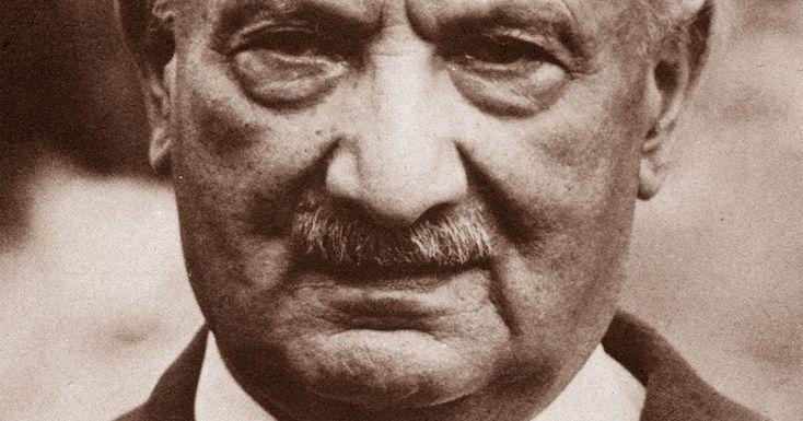 #Heidegger nella #Grecia sequestrata (di Paolo Zignani con introduzione di Claudia Ciardi): http://margininversi.blogspot.it/2016/11/heidegger-nella-grecia-sequestrata.html