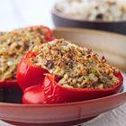 Een heerlijk recept: Gevulde paprika met bleekselderij en hazelnoten