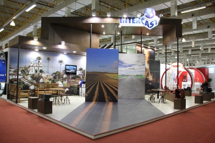 Estande de 110,5m² construído para feira Fenaf 2011, em São Paulo, em parceria com montadora CM Stands. Fotografia de Congonhas de Márcio Carvalho. Veja mais no http://www.42publicidade.com.br/portfolio