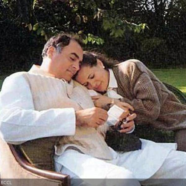 Rajiv and Sonia Gandhi's love story blossomed when they met each other in 1965. They dated for three years and took their relationship forward by tying the knot in 1968.