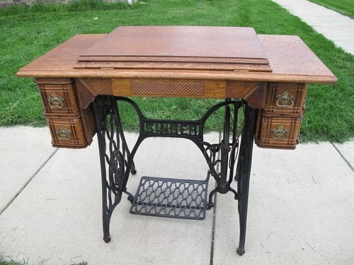 54 best Singer Treadle Cabinets images on Pinterest | Antique ...