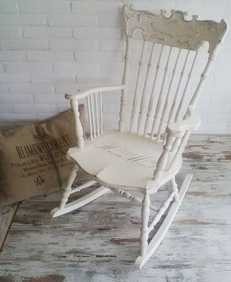 trasformiamo una sedia a dondolo - ricolora la tua casa con la chalk paint Vintage Paint - www.vintagepaint.it