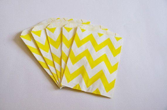 10 Sacchetti di carta chevron giallo / Chevron jaune sacs en papier (sacs en papier 10 par paquet)