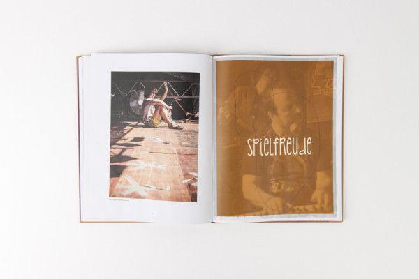 Hinterm Vorhang – Zwei Bands, zwei Storys