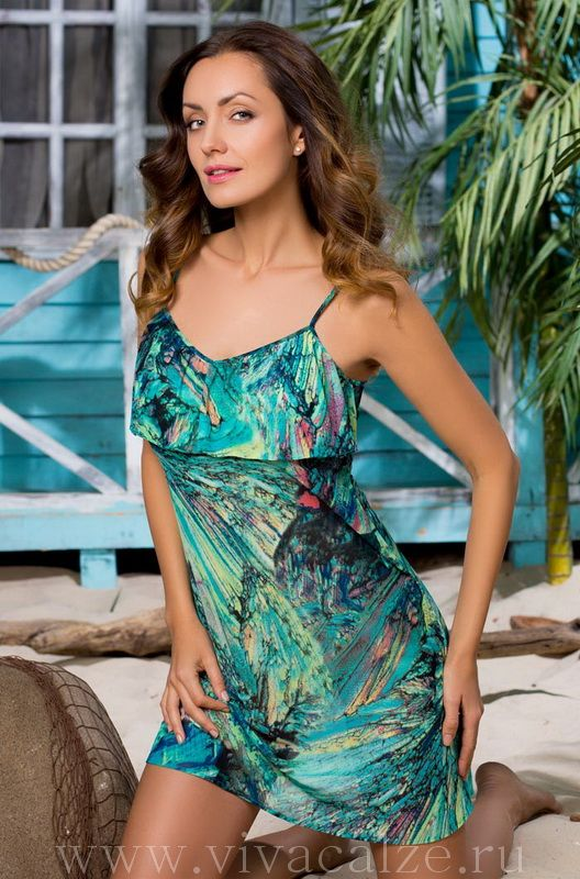 19050 Пляжное платье Коллекция SILVIA.  Эффектный короткий пляжный сарафан полуприлегающего силуэта из эластичной сетки с принтом, на регулируемых тонких бретелях.