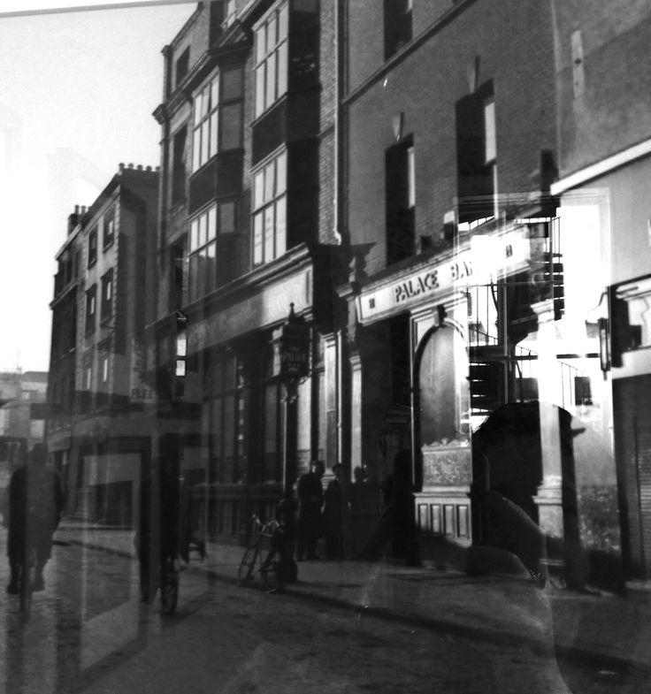 The Palace Pub, Fleet Street, Dublin 2, 1946.