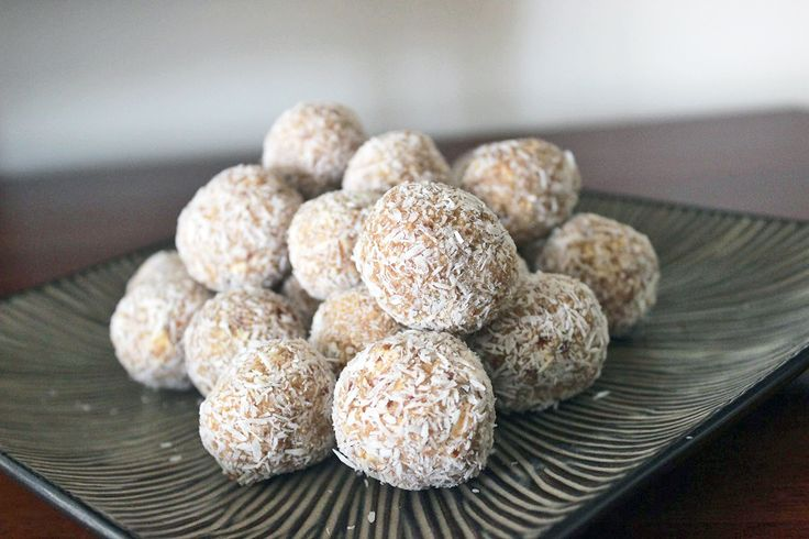 Holy cow, these are delicious if I don't say so myself... I think they taste just like the sweet lemon condensed milk balls made with biscuits, but there isn't a biscuit or dairy in site. My kids...
