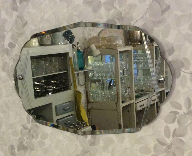 fasettihiottu kehyksetön peili . koristekaiverruksia . 35x60cm . @kooPernu