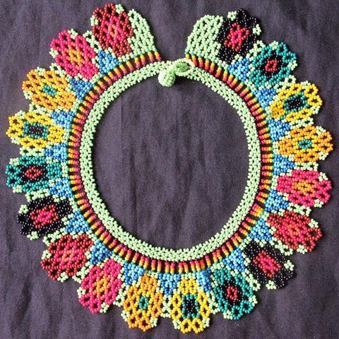 Collar nepono #moda #flor #salento #collares #medellin #colores