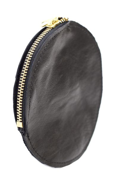 Circle Coin Pouch | Looking for a classy way to hold your change? This should do the trick. mooreaseal.com
