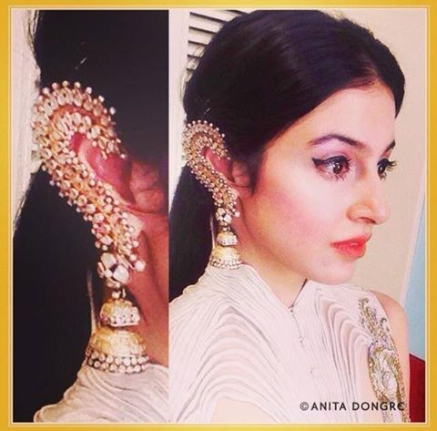 Divya Khosla wears Pinkcity silver earcuffs to Arpita Khan's wedding reception. Pinkcity jewellery crafted by Jet Gems.