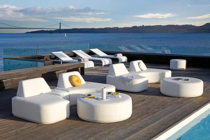 MOON ISLAND collection by Manutti