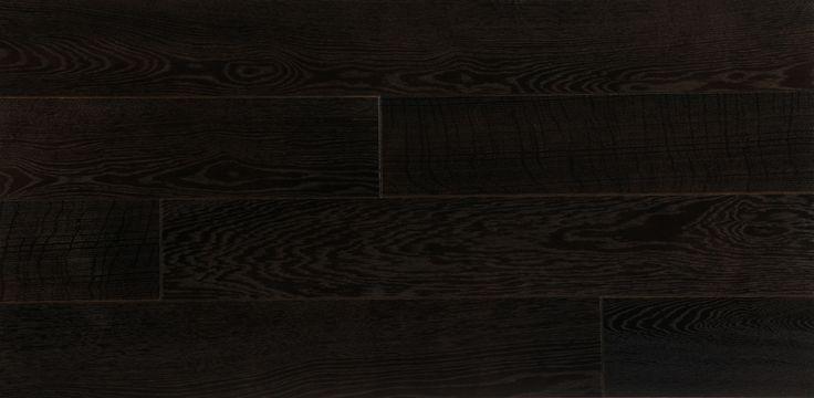 czarna podłoga z drewna