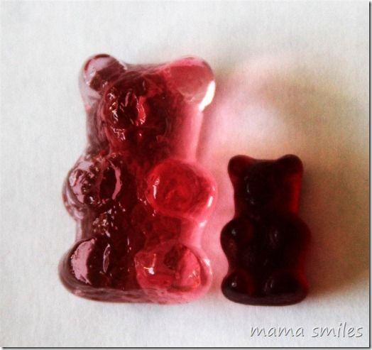 Fun science experiments with candy for kids!: Candy Experiments, Gummy Bears, Kids Science Experiments, Giants Gummy, For Kids, Fun Science Experiments, Water Overnight, Normal Gummy, Kid Science