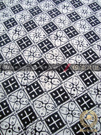 Kain Batik Bahan Baju Motif Kawung Kotak Hitam | Indonesian Batik Fabric Pattern Design http://thebatik.co.id/kain-batik-bahan/