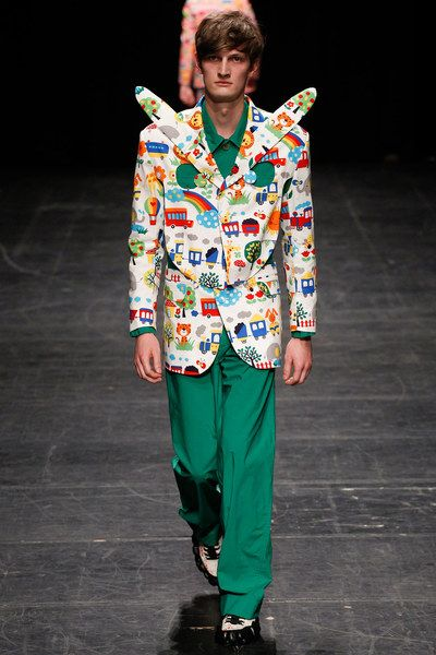 See the complete Walter Van Beirendonck Spring 2016 Menswear collection.