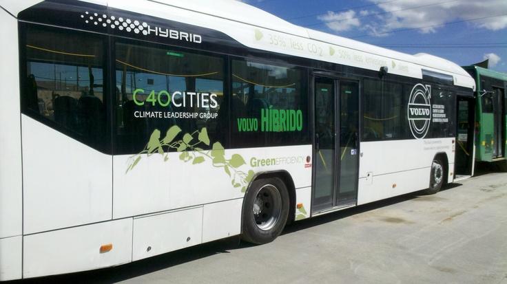 El futuro del #transporte en #Bogotá  ya esta acá!!! #SITP con tecnologias limpias @petrogustavo