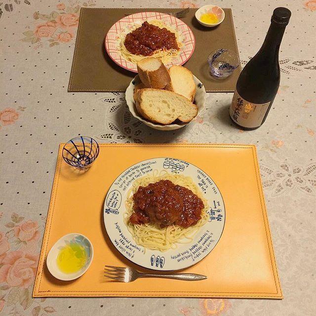 【hayashitokeiho】さんのInstagramの写真をピンしています。《【食道楽夢録】#オムライス も#ベーシック が好きですが#パスタ も#ミートソース 派の小生〆(ノ_<)ちなみに今夜の#晩ごはん#ハンバーグスパゲティ#🍝#手作り しやした😋👍💓#トマト缶#ウスターソース#隠し味#日本酒#八丁味噌 💓ちなみに調味料は全て目分量やはり#男飯 は思い切りが命ですネ😂❤️料理し始めるとドンドン凝りたくなるから不思議デス❤️#ごちそうさま#三重県#津市#林#親父#時計屋#休日#休日の過ごし方#料理#作る#喜び#食べる#楽しみ#🇮🇹#🍅#🇯🇵》