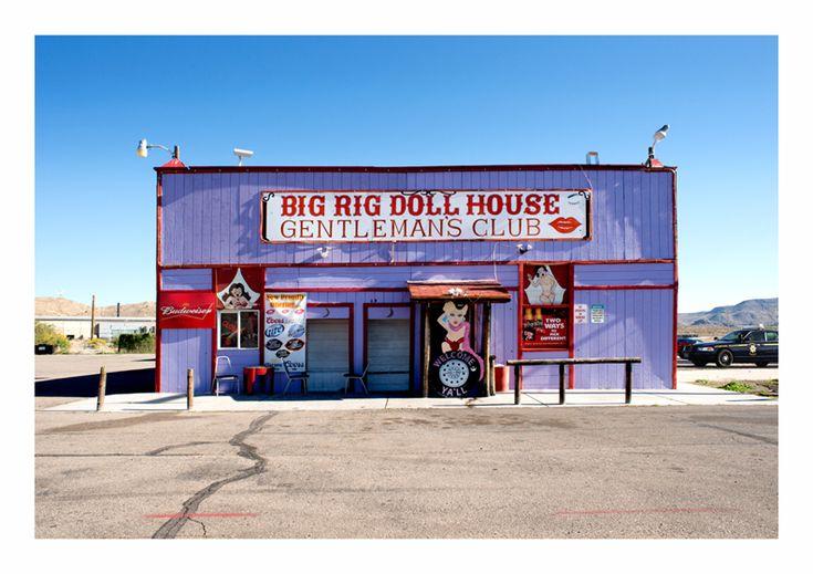 Big Rig Doll House - Nevada, USA - Noel Hodnett