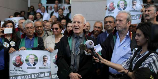 Les 19journalistes et employés du plus vieux quotidien turc risquent jusqu'à 43ans de prison pour «soutien au terrorisme». Leur procès s'est ouvert lundi.