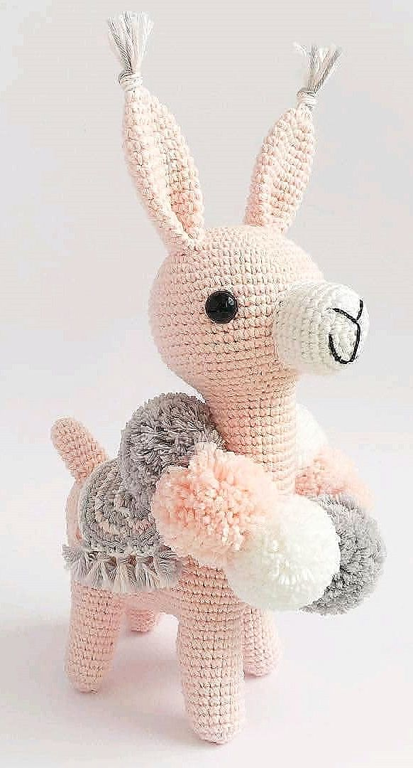 Beautiful Amigurumi Doll, Animal, Plant, Cake and Ornaments Sample Concepts. Web page 105
