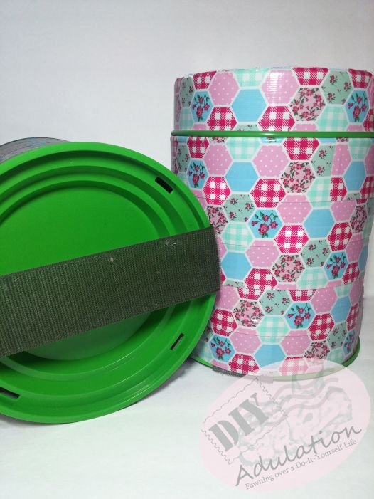 Keep your car clean with these easy-to-make car trash cans!