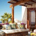 Yaz için ferah ve lüks tasarımlı balkon örneği