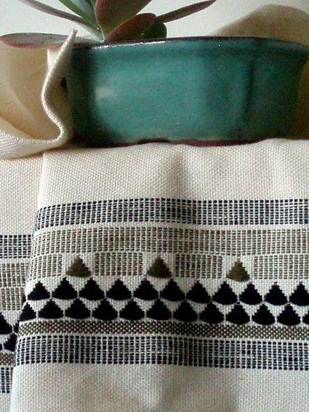 Hand Woven Tea Towel por milkaLOOM en Etsy