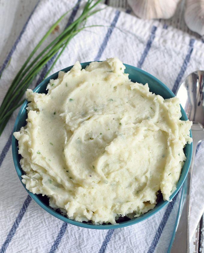 Garlic Chive Mashed Potatoes | www.honeyandbirch.com #sidedish