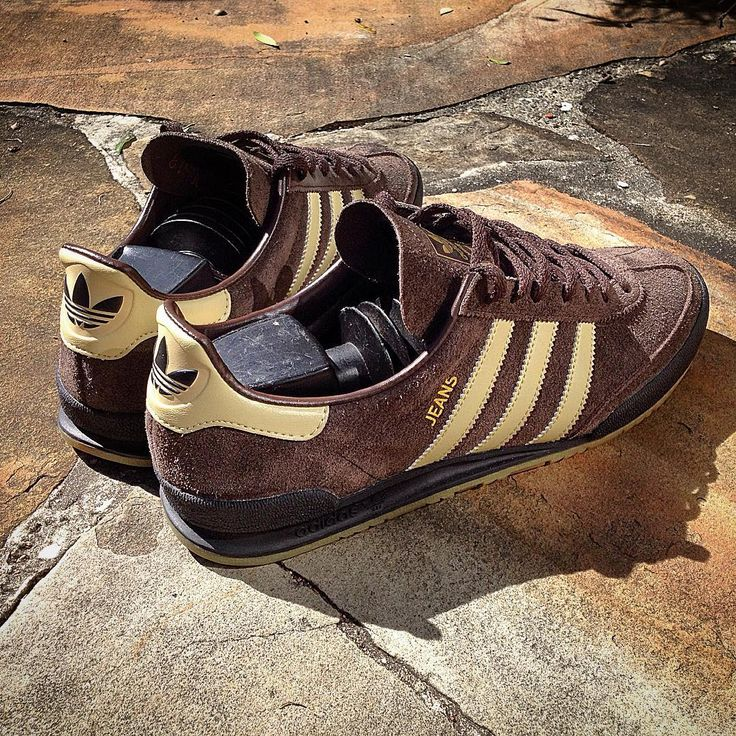 adidas Originals Jeans MkII: Brown