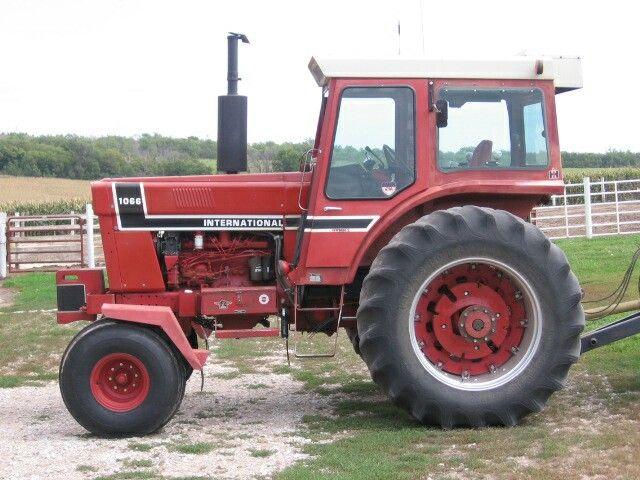 International 1066 Black Stripe : Ih black strip tractors trains big rigs pinterest