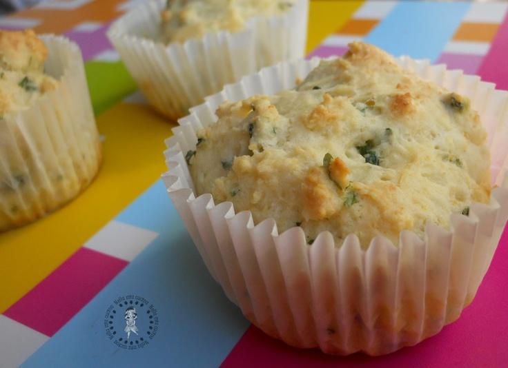 Tortine al formaggio ed erba cipollina    http://roberta-la-mia-cucina.blogspot.it/2013/03/tortine-al-formaggio-ed-erba-cipollina.html#