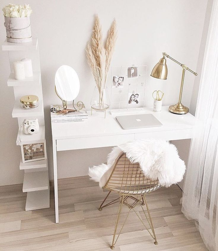 Cozy Homeoffice Decor: Do You Want Your Home Desk To Be Minimalistic Or Cozy To