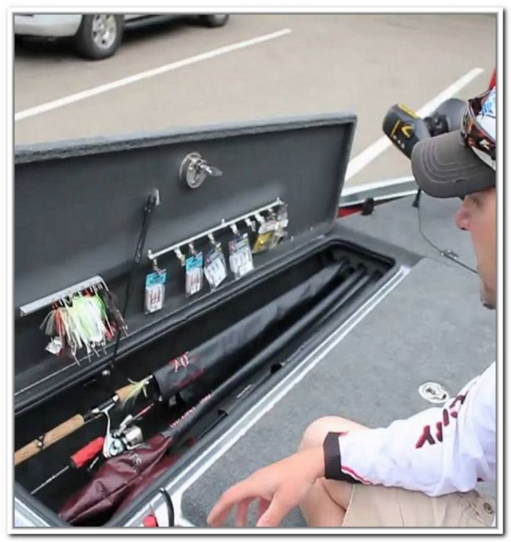 how to keep boat batteries charged