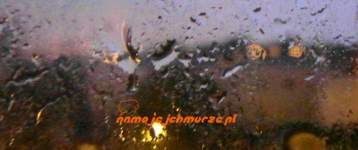 Deszcz gra na moim oknie melodię, wtedy kiedy mówisz o płynącej rzece. Jest…