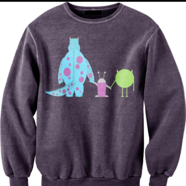 Oh my goodness!!! I just love DISNEY and sweaters ;)