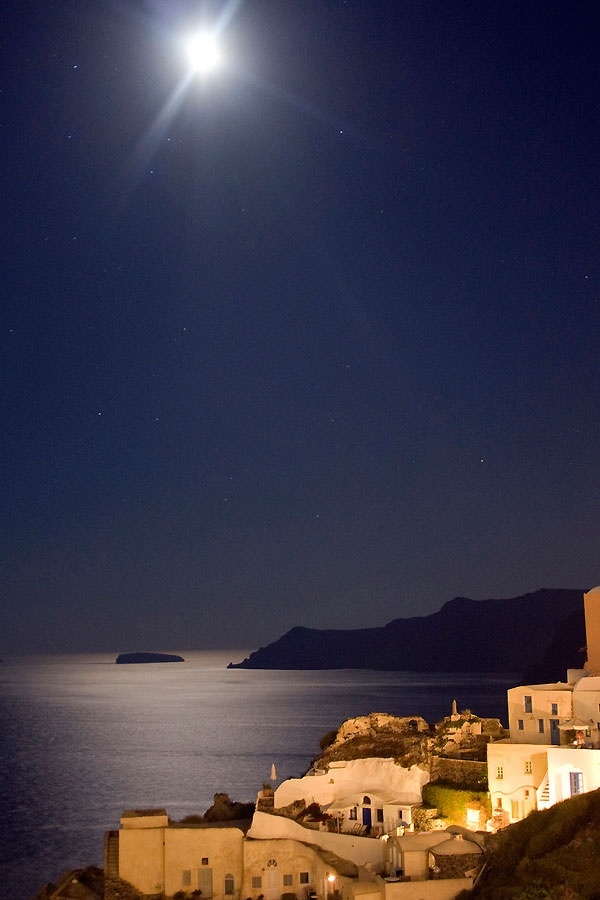 Moon @ Oia, Santorini, Greece