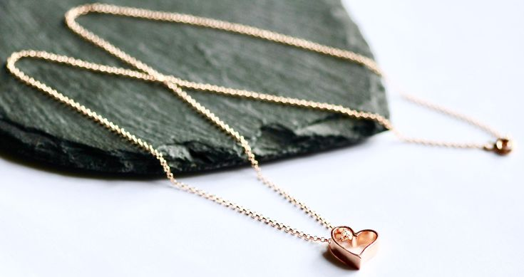 Rose gold necklace with heart, Mum gift, mother day gift, daughter gift, heart necklace, Gift for her, Mum necklace, Wife Girlfriend  gift by justynasshop on Etsy https://www.etsy.com/uk/listing/596136685/rose-gold-necklace-with-heart-mum-gift