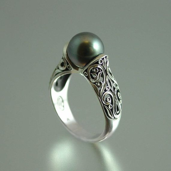 The ENCHANTED Tahitian Pearl 14K white gold ring