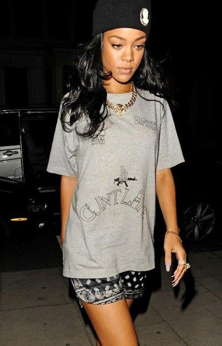 Rihanna-House-of-LADOSHA-2PAC-tattoo-tee-shirt-ban