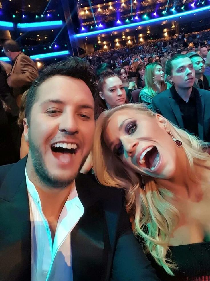 American Music Awards - Luke & Caroline Bryan - November 22, 2015
